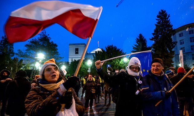 Poland scraps proposed media restrictions in wake of street protests