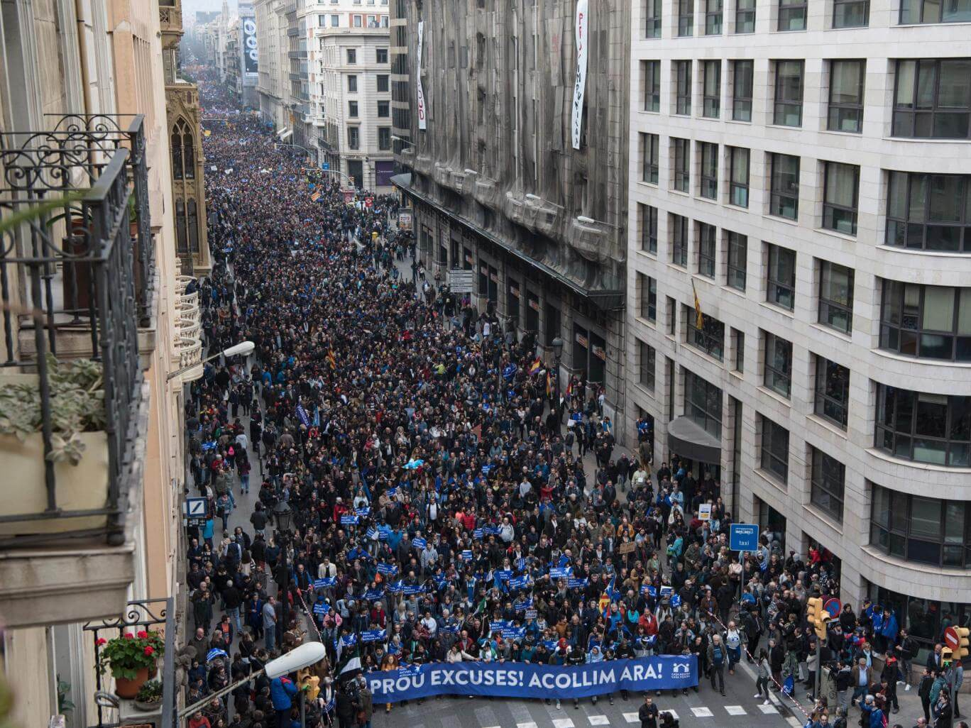 More than 160,000 march in Barcelona to demand Spain takes in more refugees